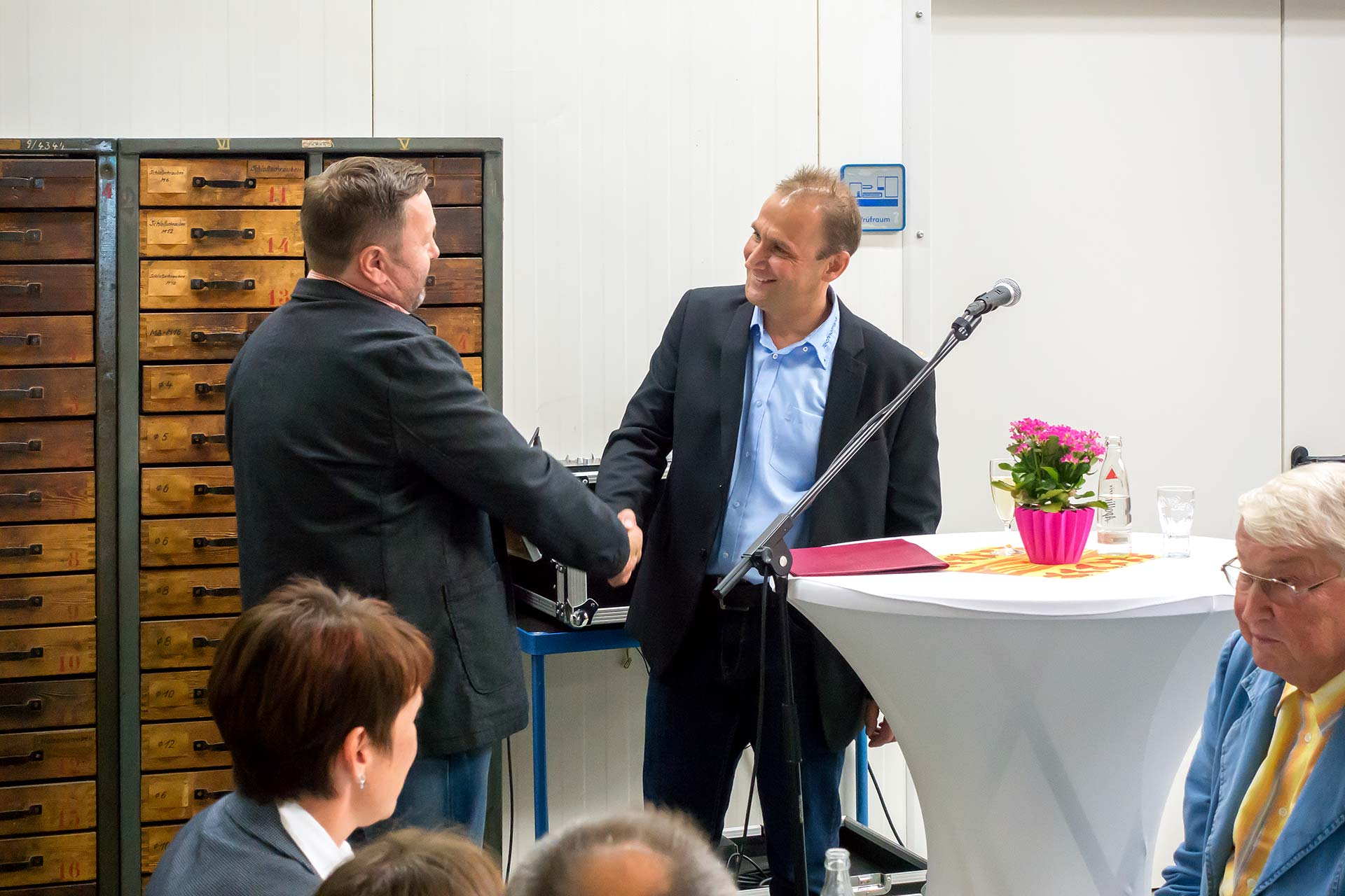 25 Jahre Technotrans - Gratulation durch den Rhön-Rennsteig-Verlag